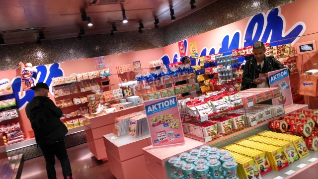 Finally, a candy store everyone is on-board for!